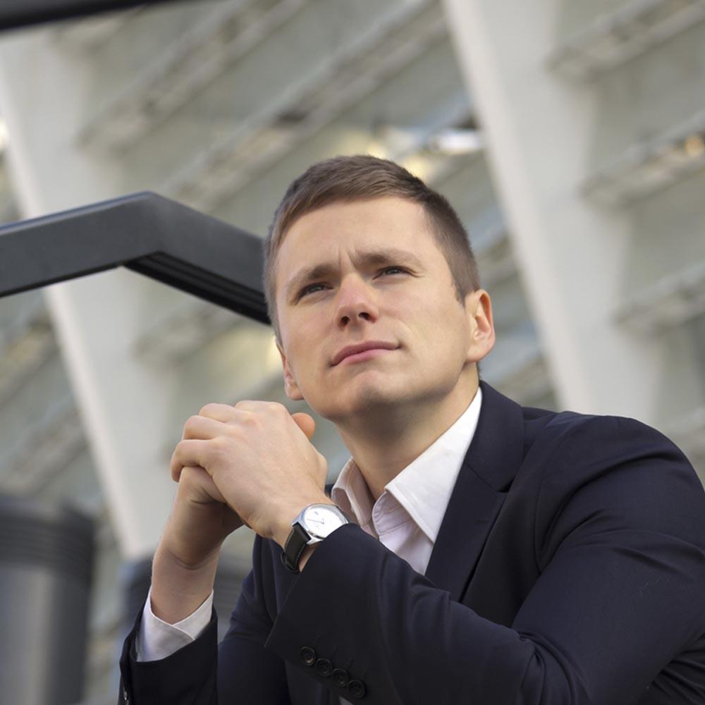 Андрей-Руденко-мотивационный-спикер-школа-успешная-молодежь1